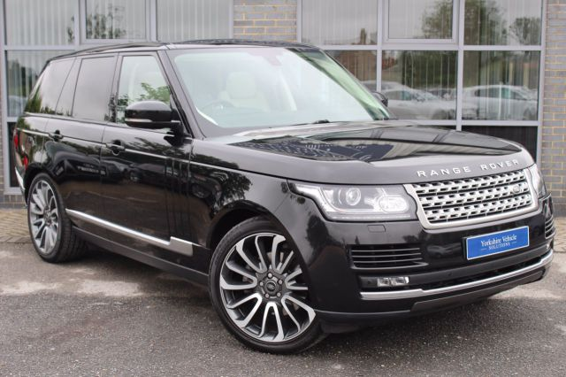 Land Rover Range Rover 3.0 TDV6 Vogue Auto Estate Diesel Black