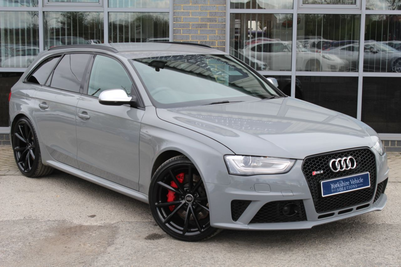 Audi RS4 4.2 FSI Quattro S Tronic Estate Petrol Grey at Yorkshire Vehicle Solutions York