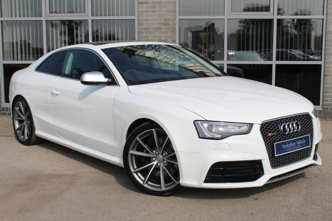 Audi RS5 4.2 FSI Quattro S Tronic Coupe Petrol White at Yorkshire Vehicle Solutions York