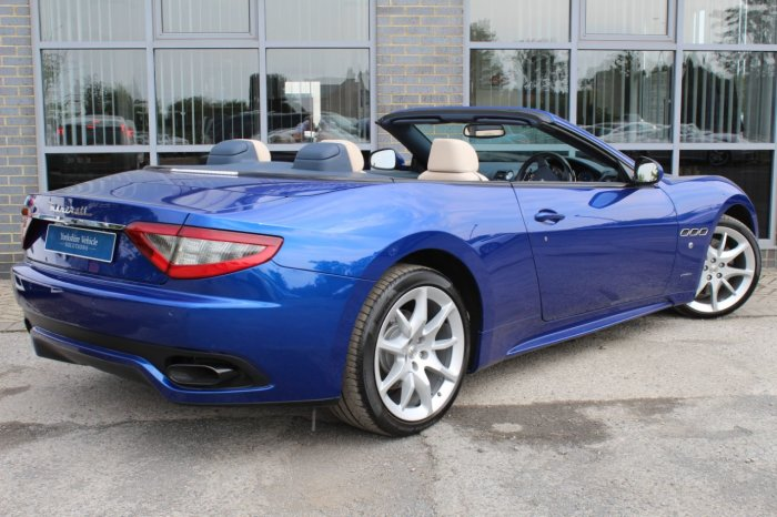Maserati Grancabrio 4.7 V8 Sport 2dr MC Shift Convertible Petrol Blue